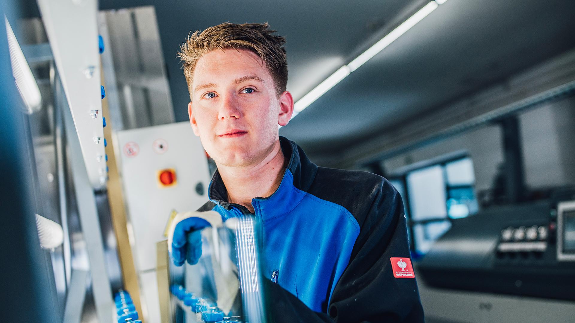 Ausbildung zum Glaser - Bau- und Kunstglaser - Glaserei Bayernglas in Wartenberg zwischen München und Landshut