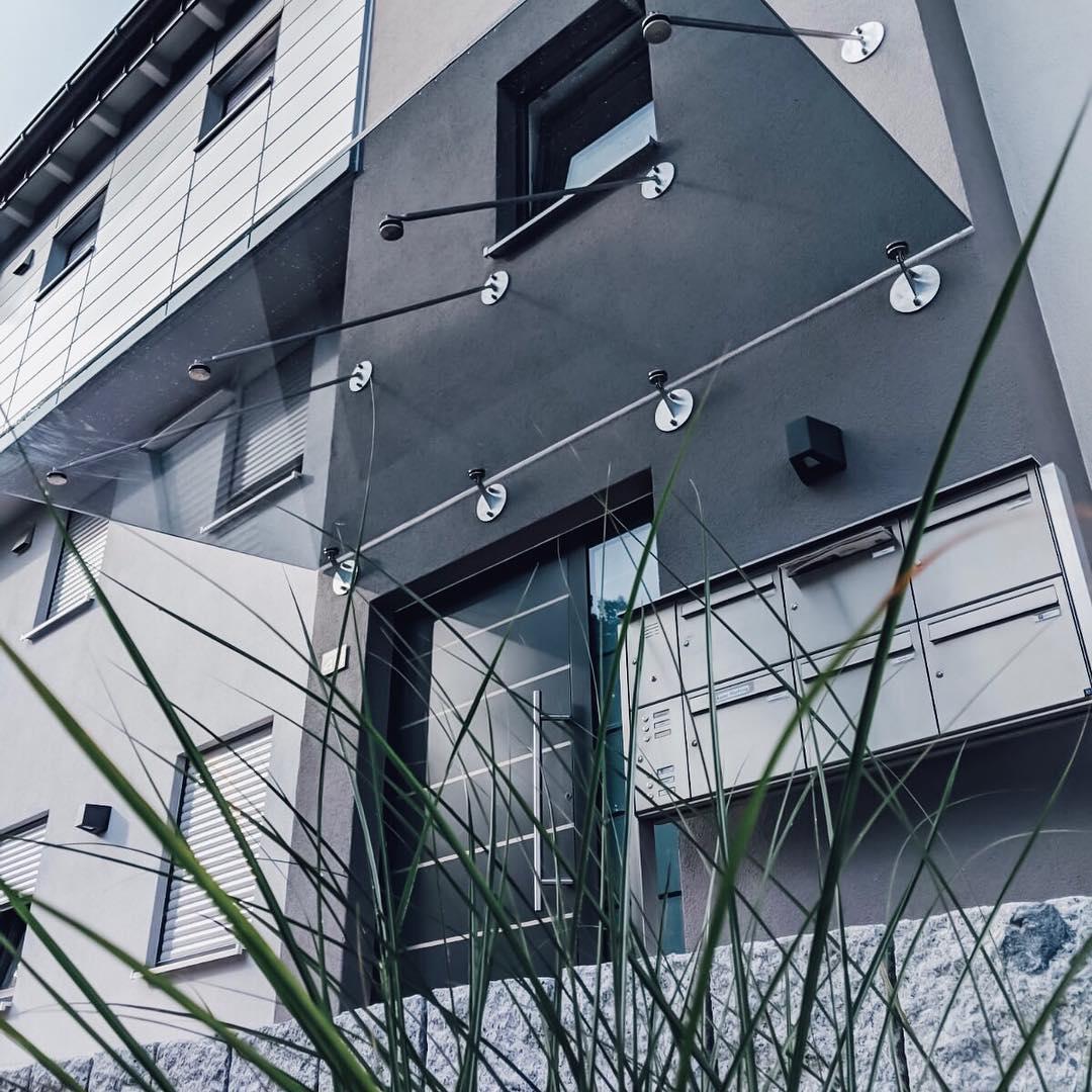 Glasvordachsystem
