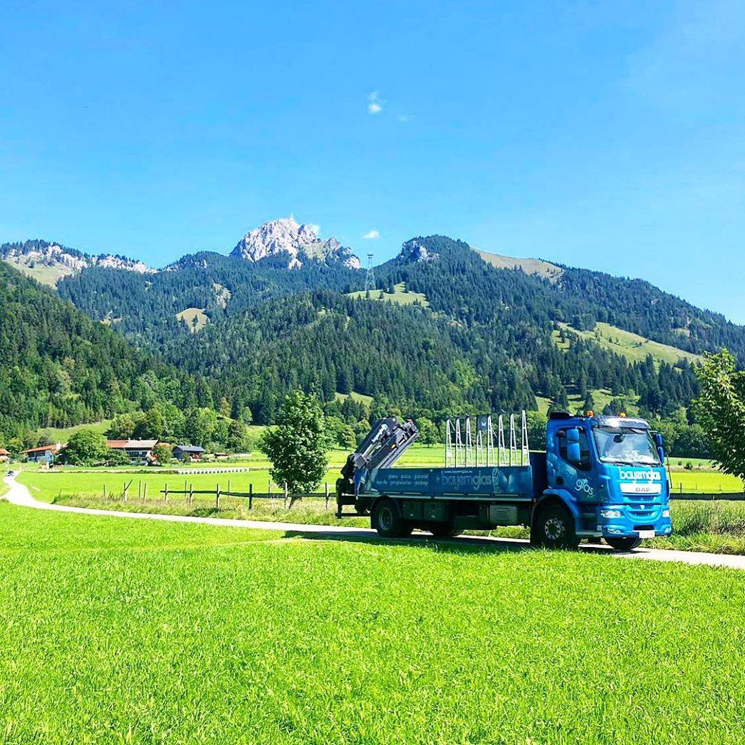 Wir liefern Glas in Gegenden in denen andere Urlaub machen. . . . . . #alpen #ba