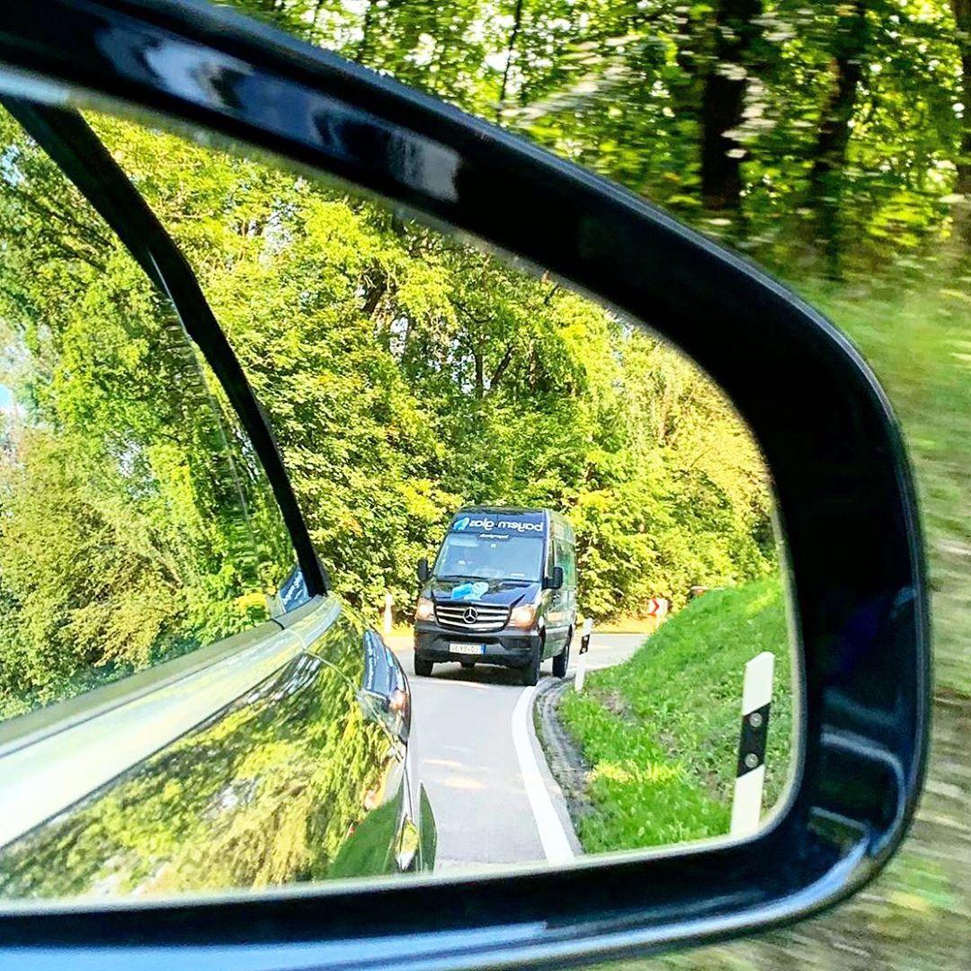 Wir veredeln und liefern auch Spiegel, ganz  nach euren Anforderungen. . . . . .