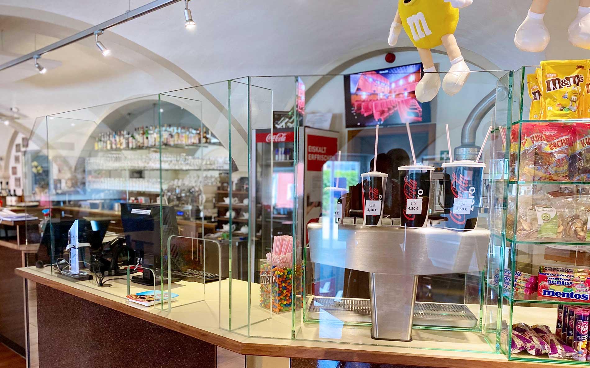 Schutzwände aus Glas Corona Schutz